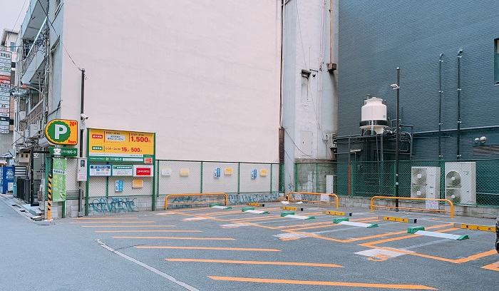 銀座カラー 梅田新道店 駐車場