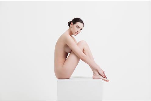 除毛クリームは全身に使えるもの・顔やデリケートゾーン以外のどちらかの商品が主流