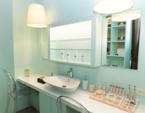 一般皮膚科だけでなく美容皮膚科のさまざまな施術を受けることができます