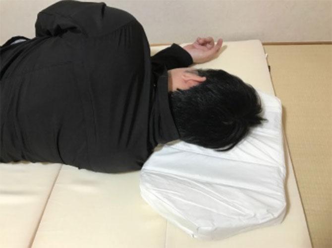 六角脳枕は柔らかめの寝心地