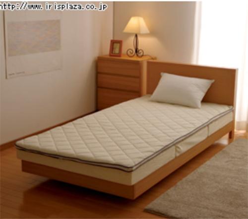 エアリー敷きパッドPARは、エアロキューブ®を中材に使用した厚さ3.5cmの敷きパッド